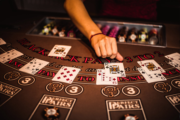 Win Real Money With Free Online Casino Benefits
